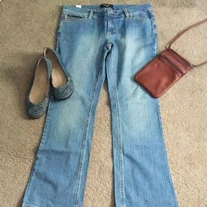 NWOT Daisy Fuentes Bootcut Jean